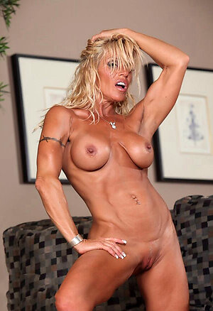Xxx mature muscle women porn galleries
