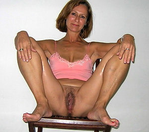 Pretty mature mom amateur pics