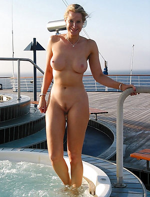 Amatuer homemade mature nude blondes