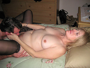 Naughty girl eating pussy pictures