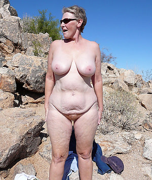 Naked mature natural gut gallery