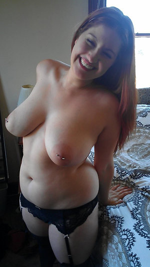Amateur pics of nude natural mature