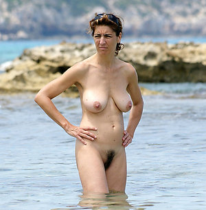 Best pics of women on the beach nude