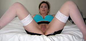Inexperienced slut in stockings pics