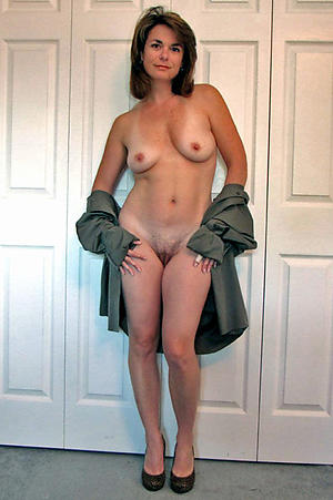 Tyro mature housewife nude