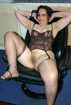 Naughty mature cunt porn