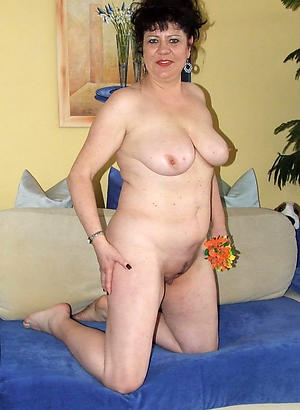 Beautiful mature wife pussy