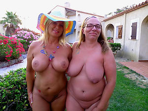 Free undress mature groups