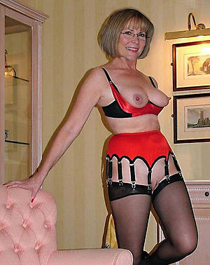 Amateur erotic older women