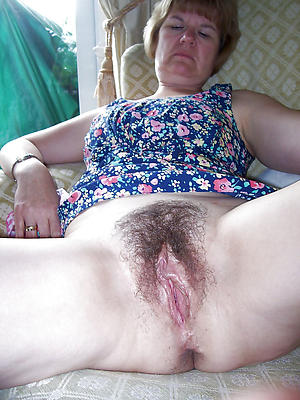 Hot unshaved of age pussy