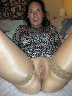 Slutty mature cunts pictures