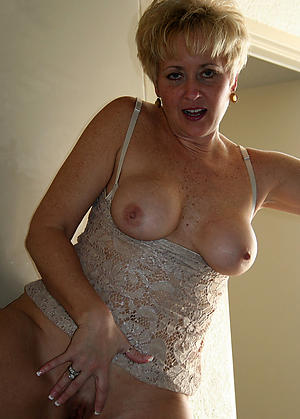 Slutty hot mature cougarsnude pics