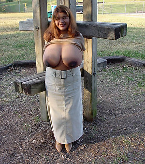 Amazing busty nude mature pictures