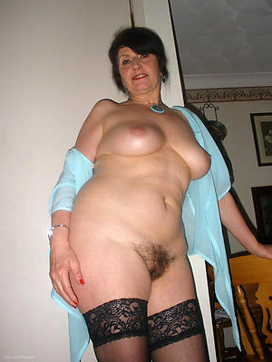 Amateur pics be incumbent on singular mature milf