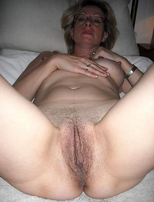 Pretty unpaid mature women vagina