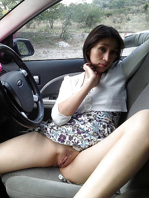 Mature in car nude pics