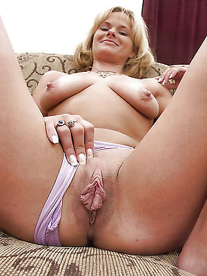 Mature woman pussy