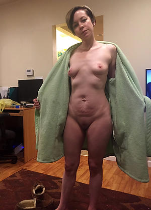 Nude pics of real housewife