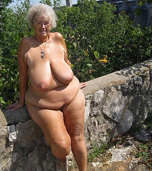 Sexy chesty mature pussy pics