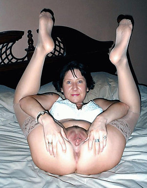 Free older mature wife feet
