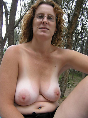 Inexperienced sexy mature wife with glasses