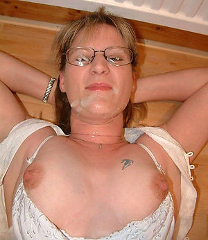 Naked older girl with glasses sex pics
