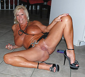 Gorgeous sexy mature heels photo