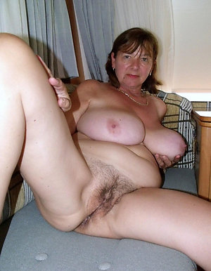 Amateur pics of nude mature bitches