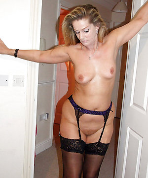 Free amateur mature wife with pirfect body