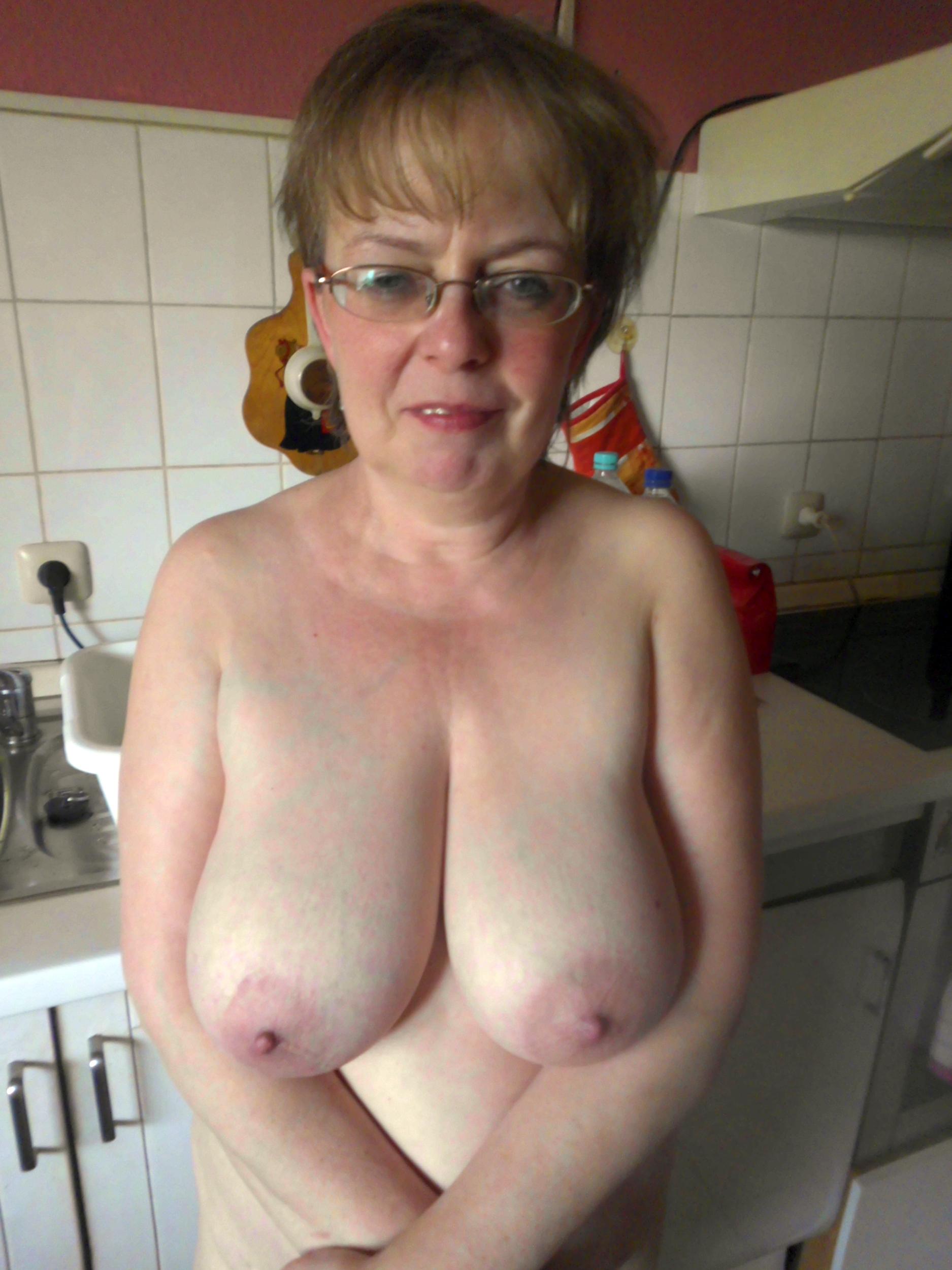 Xxx Mature Big Natural Tits Pics Matureamateurpics Com