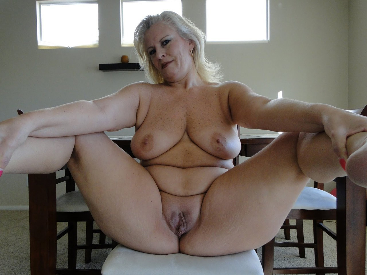BERNADINE: Natural mature milf