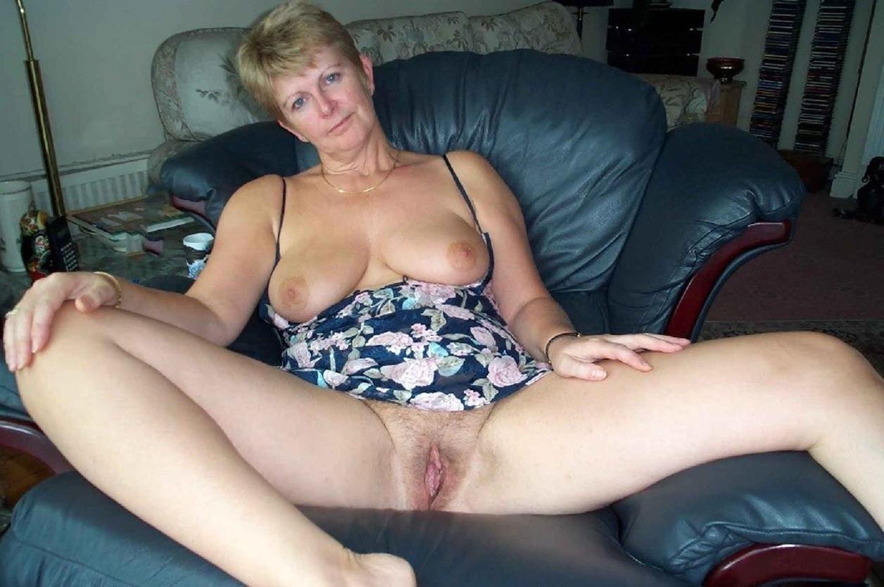Amateur housewife xxx