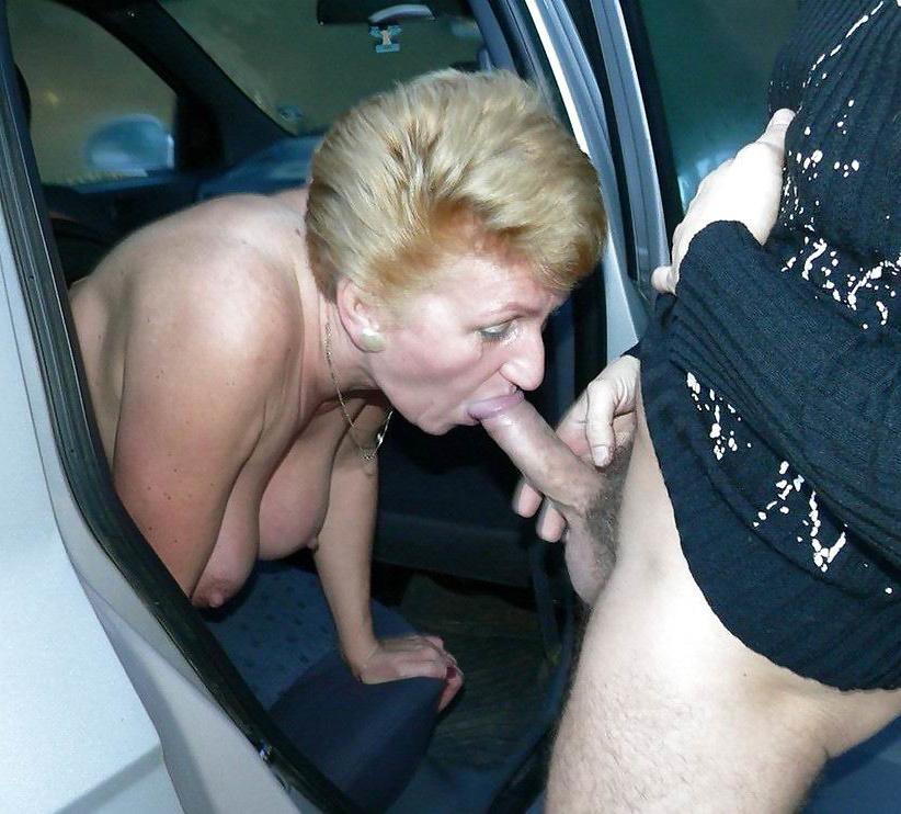 Doing blowjobs women 17 Women
