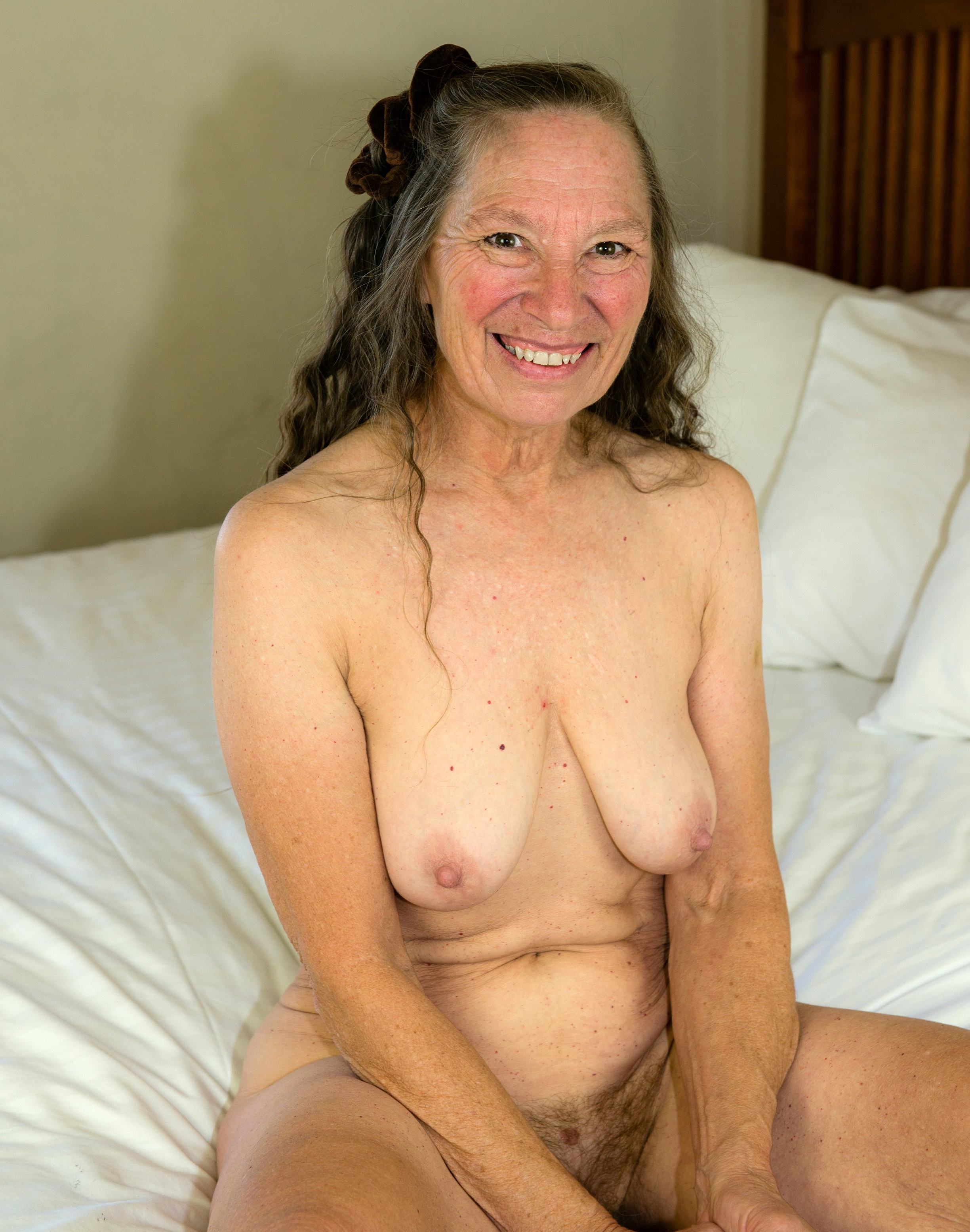 Mature nude xhamster