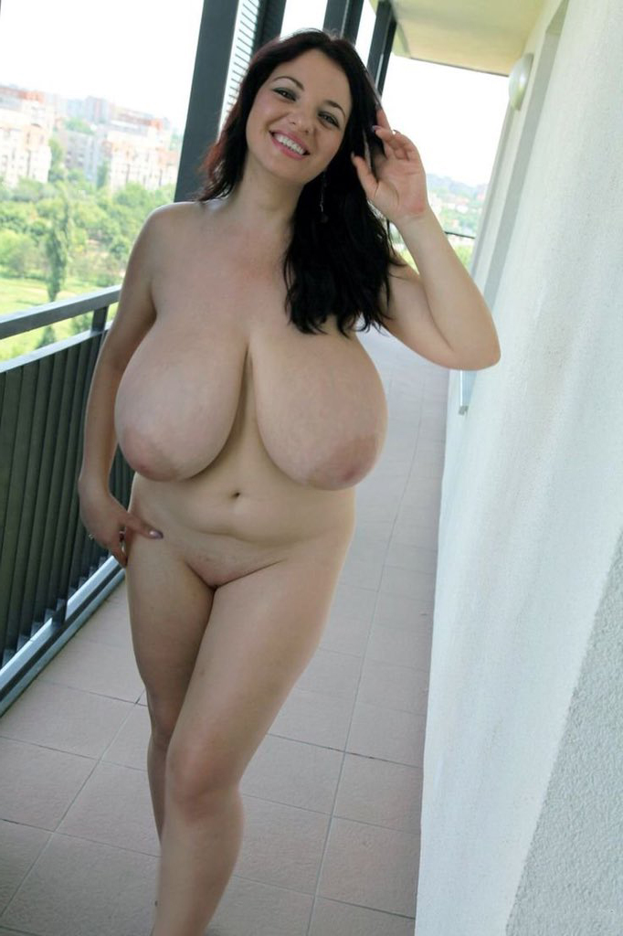 Homemade Natural Tits Amateur