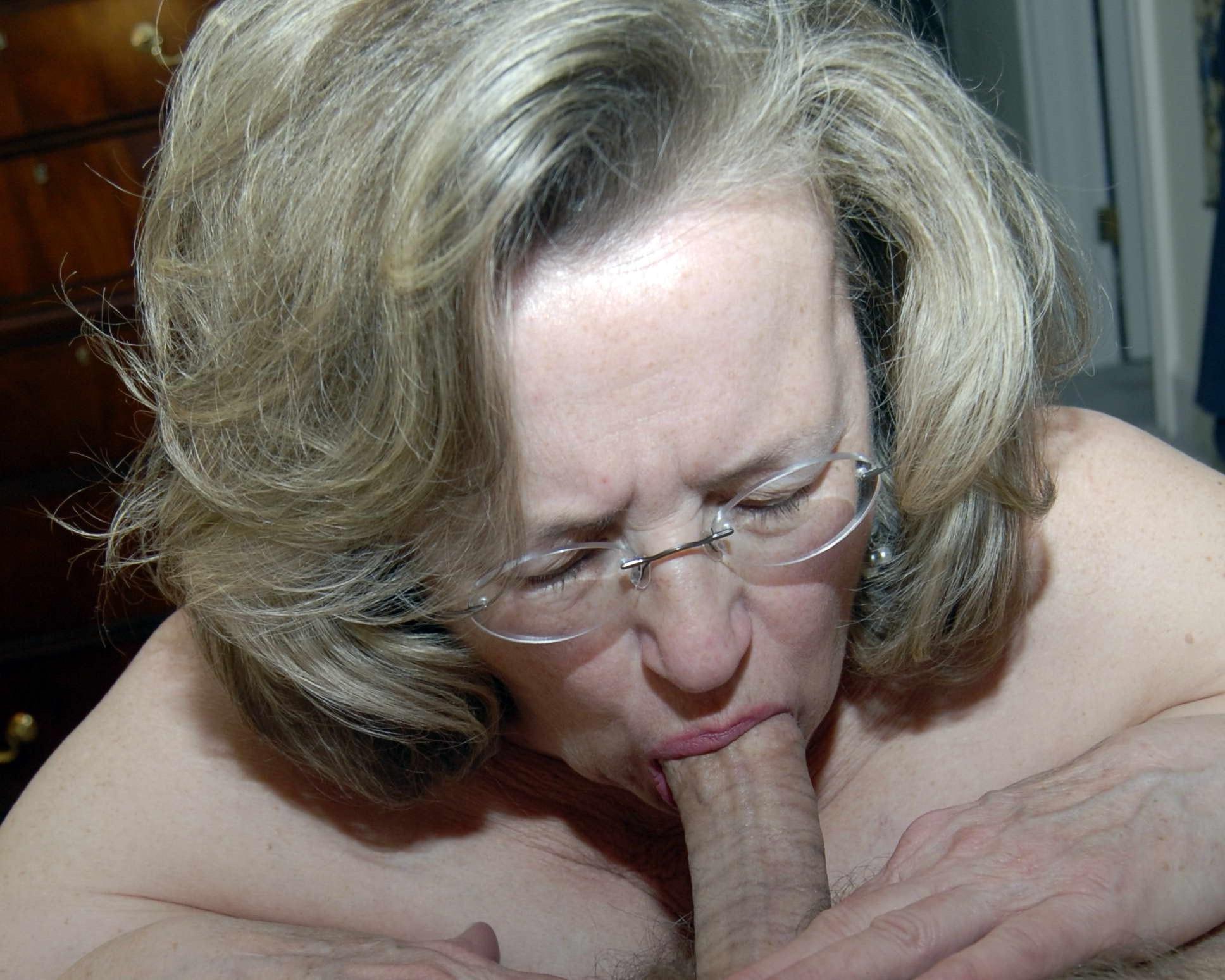 Vintage wife blowjob