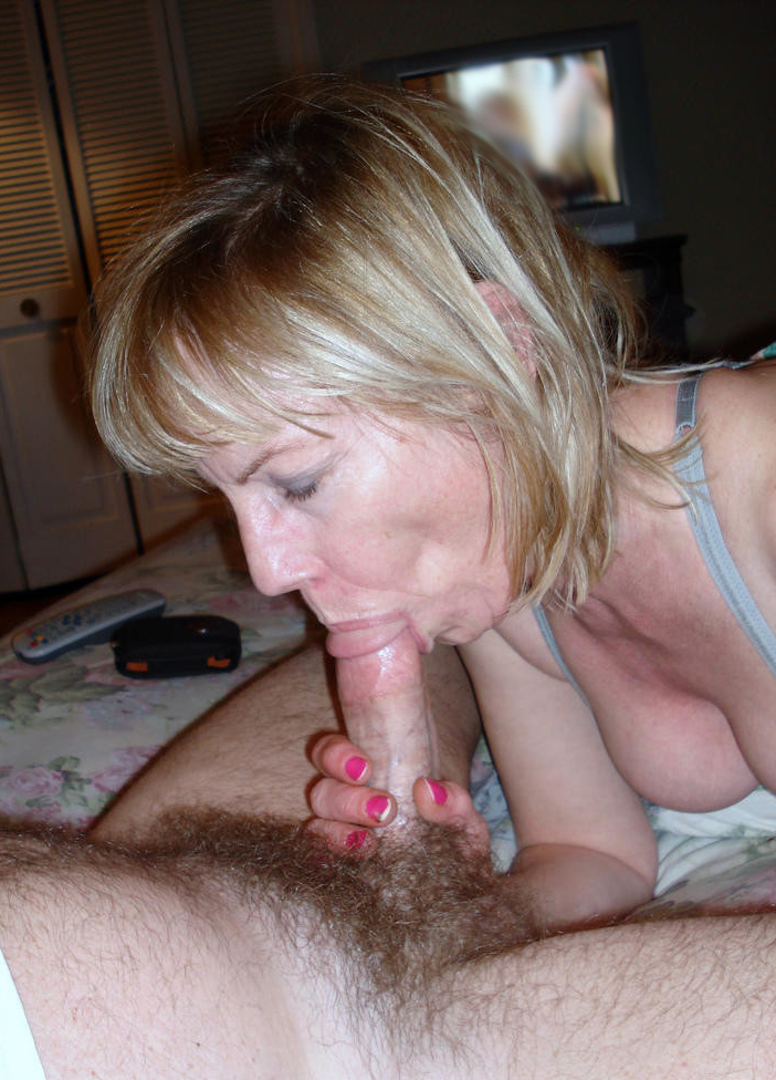 She Cums While Giving Blowjob