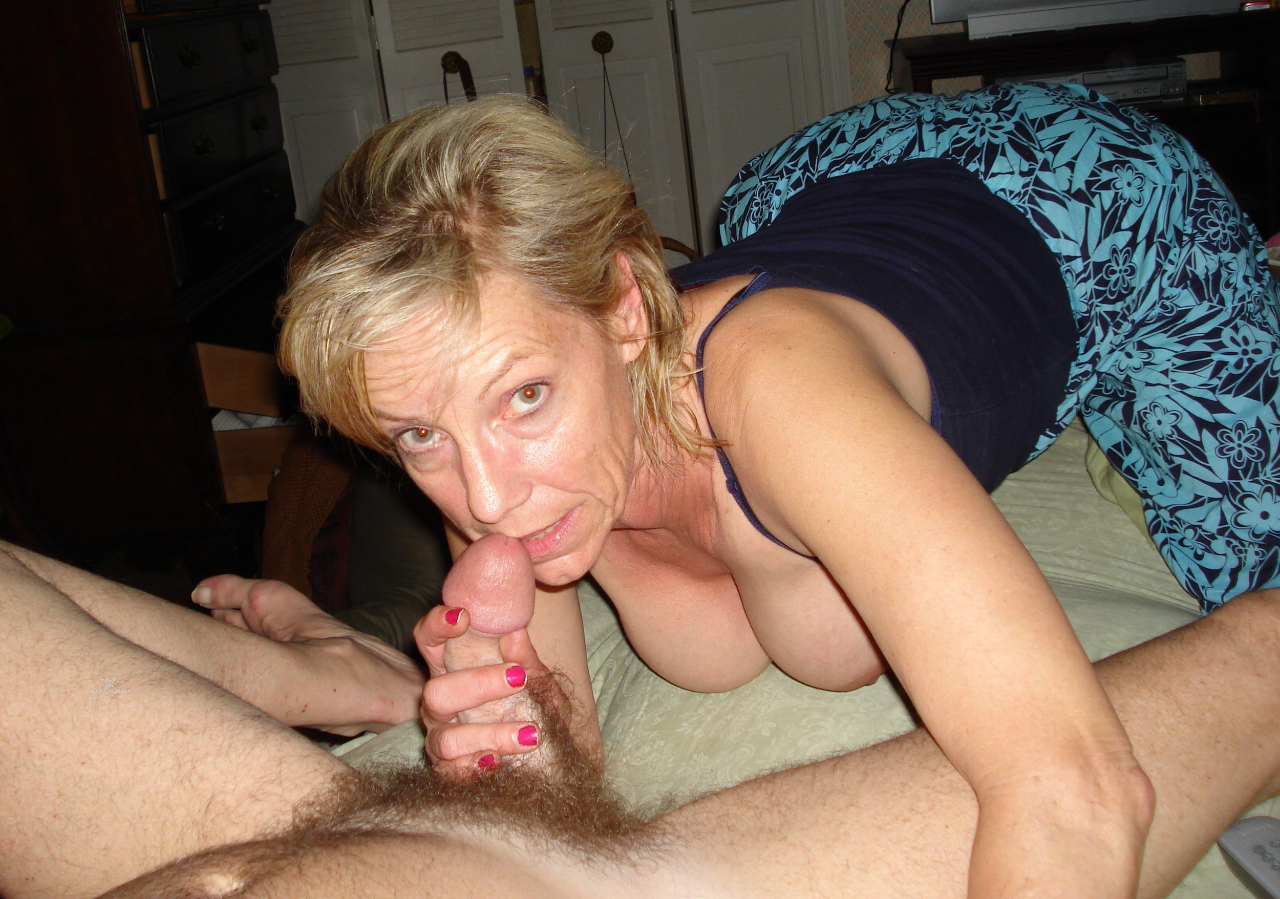Congratulate, magnificent mature wife giving husband a blowjob congratulate