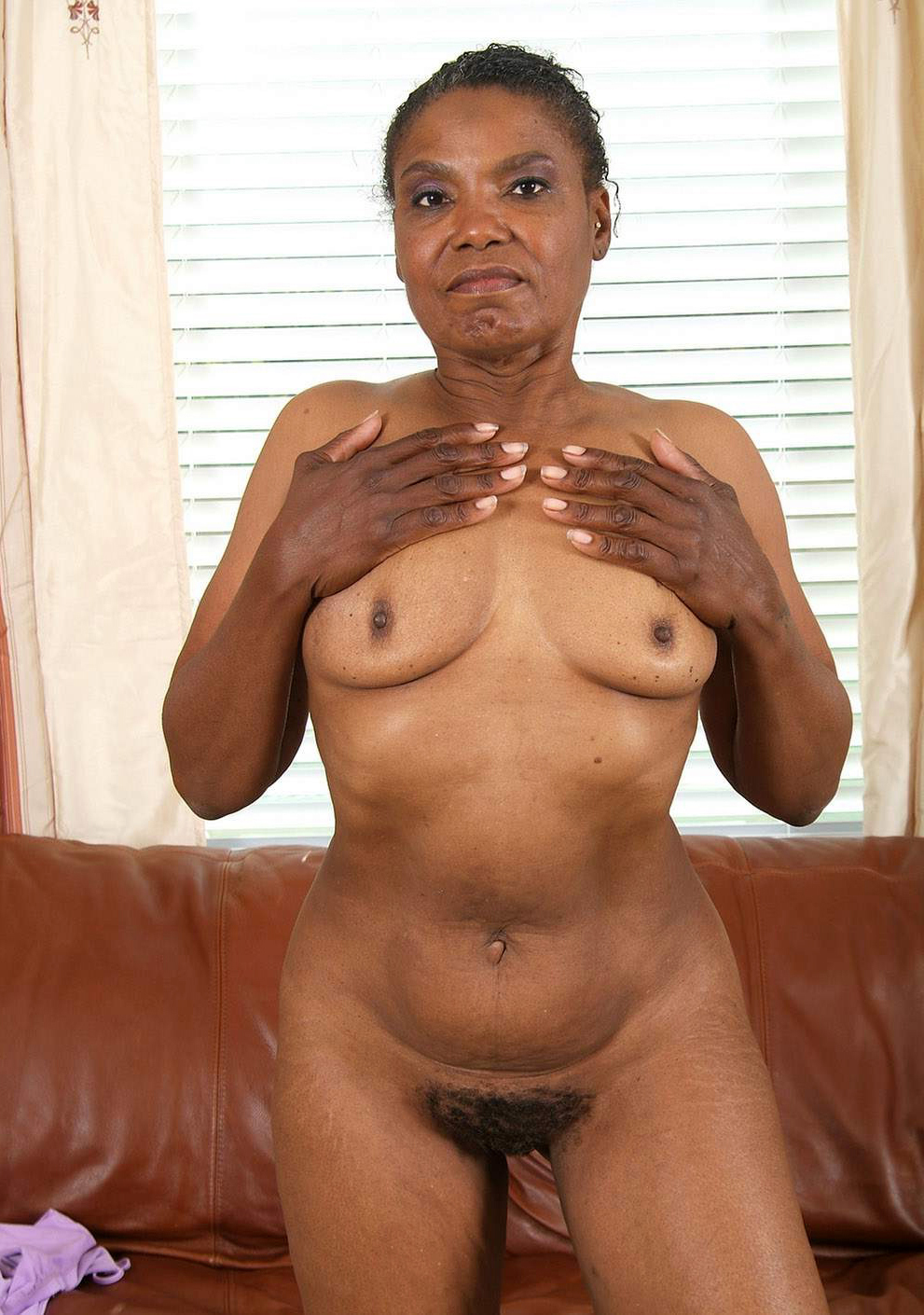 Amateur Ebony Couple Creampie