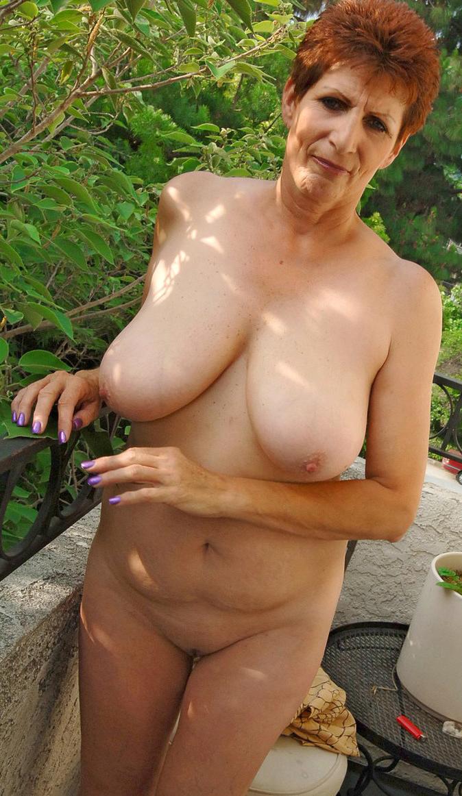Naked Granny Milf