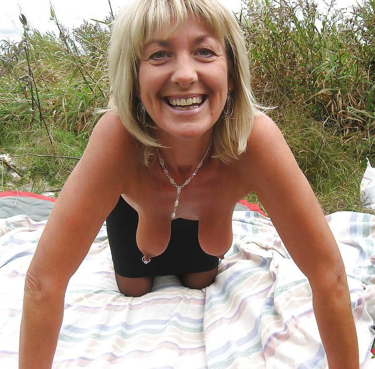Amateur Milf Floppy Tits