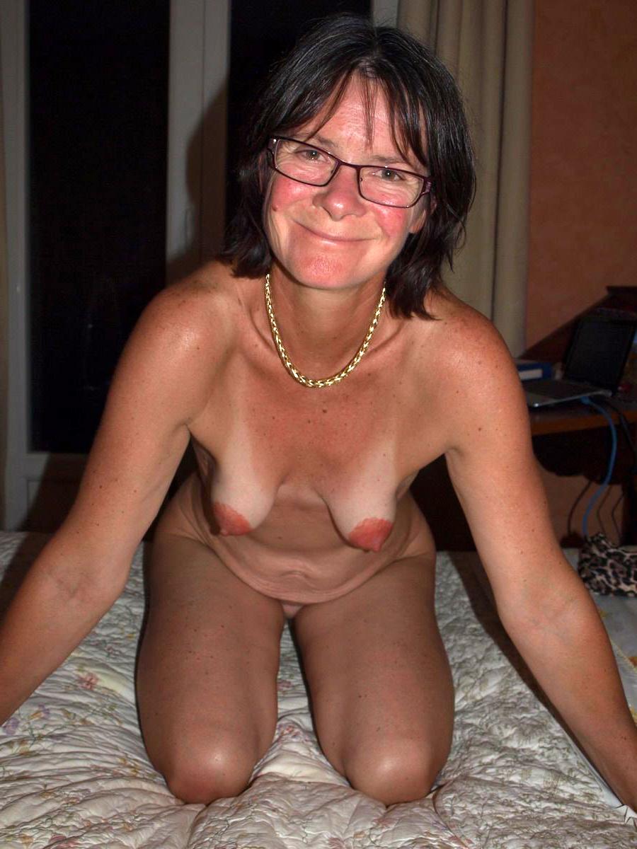 Amateur Milf Huge Saggy Tits