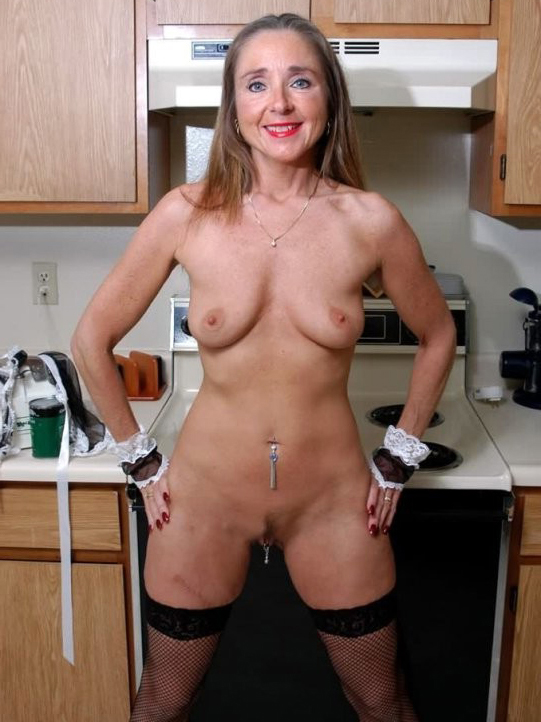 Wife posed nude for stranger