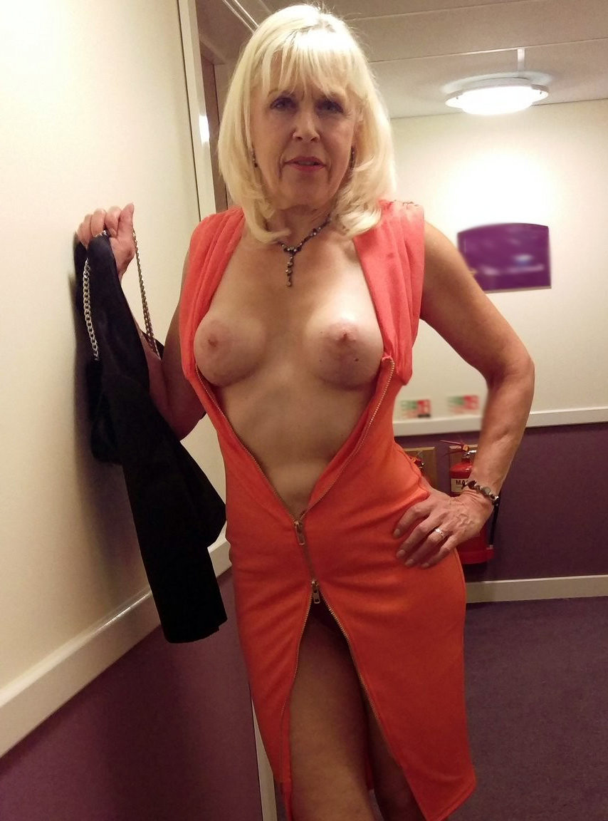 Amateur Mature Wife Swallow
